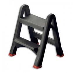 RUBBERMAID Marchepieds pliable capacité 150kg 48x17x63 cm.