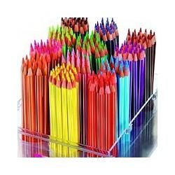 Crayons de couleur et craie